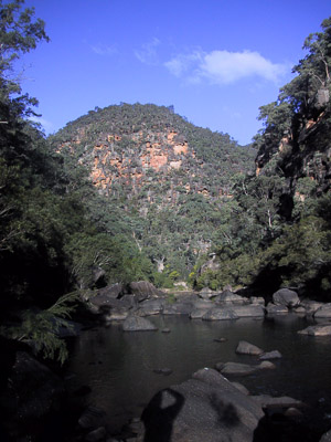 Colo cliffs near Canoe Creek, Wollemi National Park